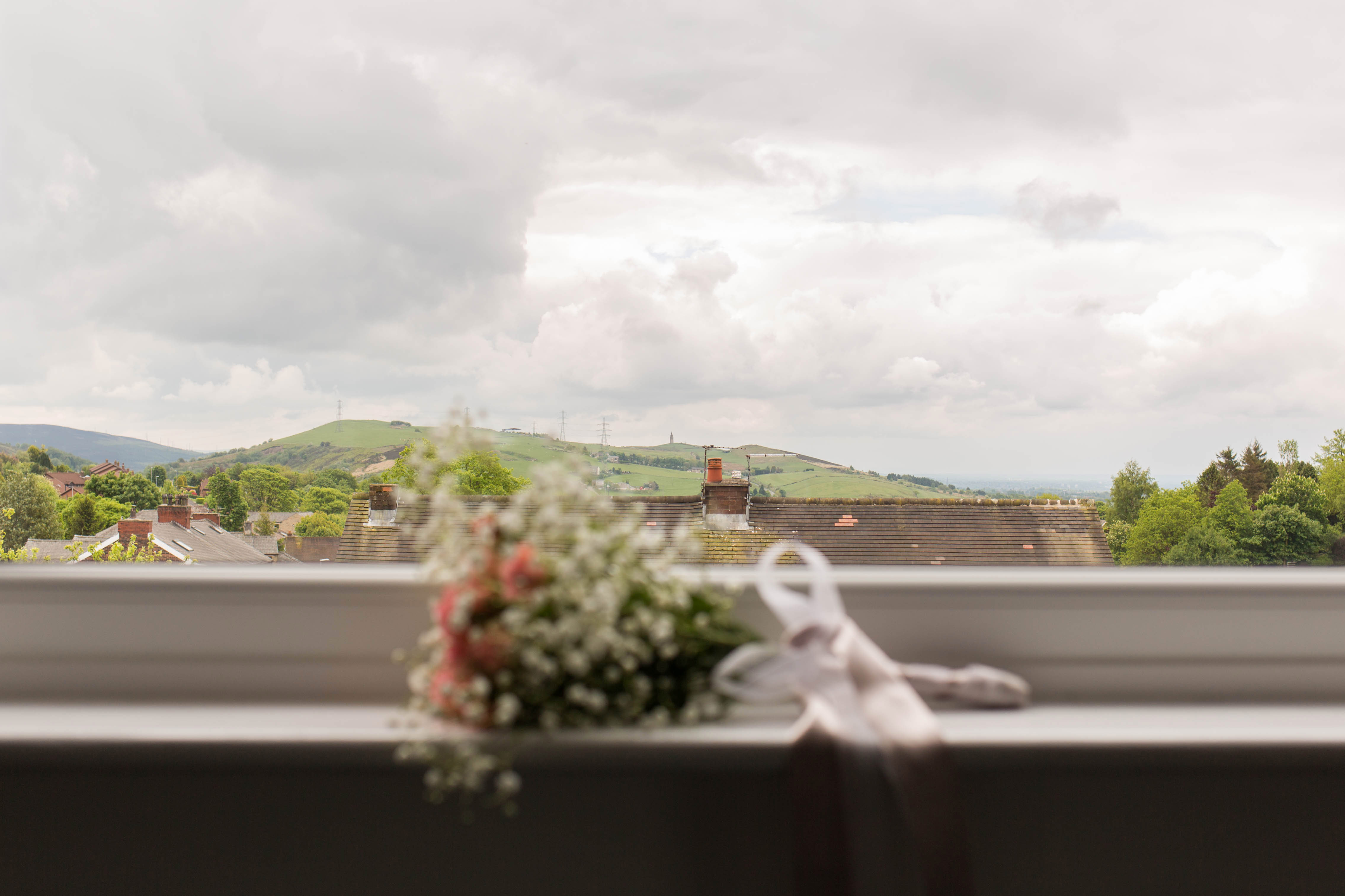 Oldham wedding photographer - flowers