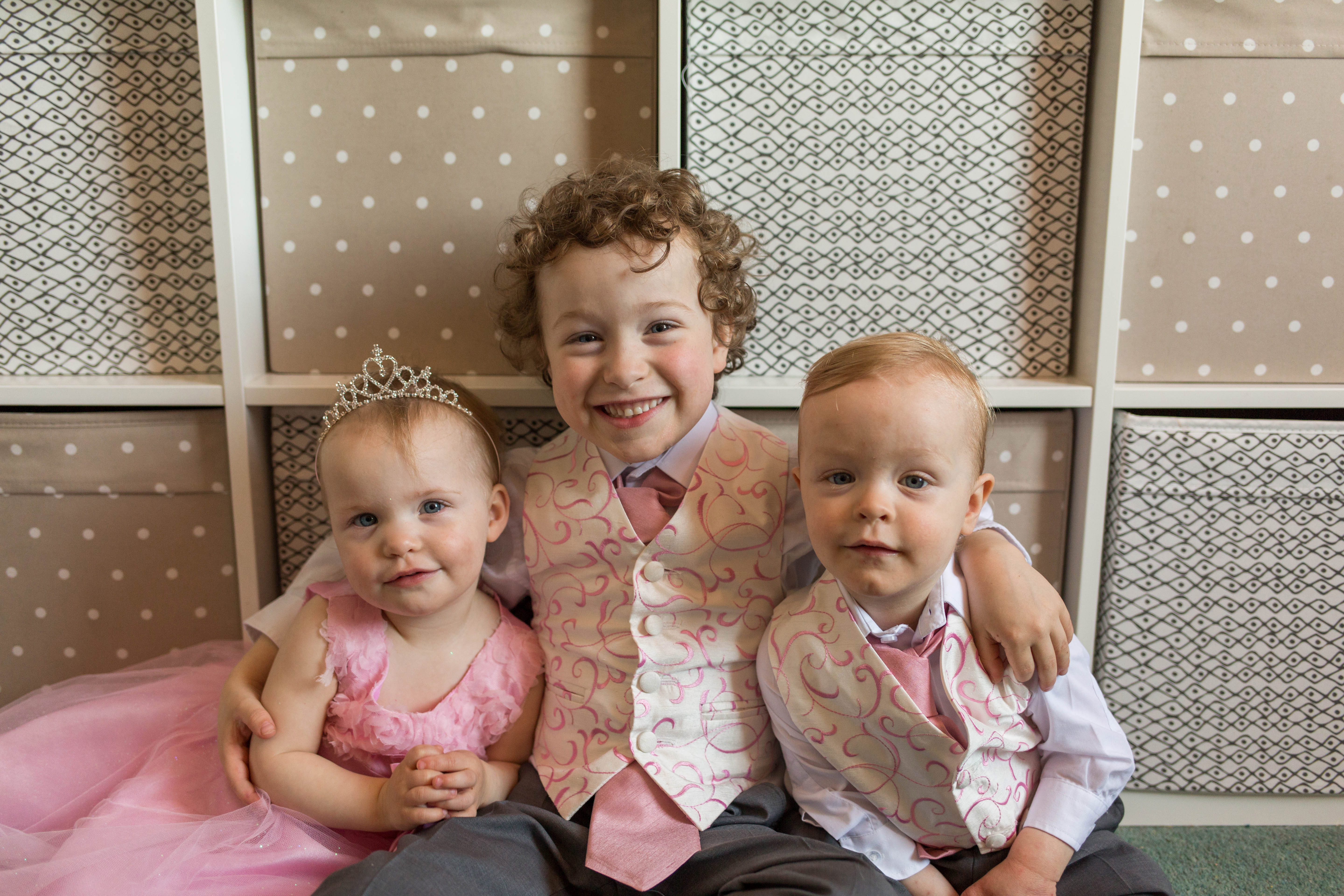 Oldham wedding photographer - bridal party