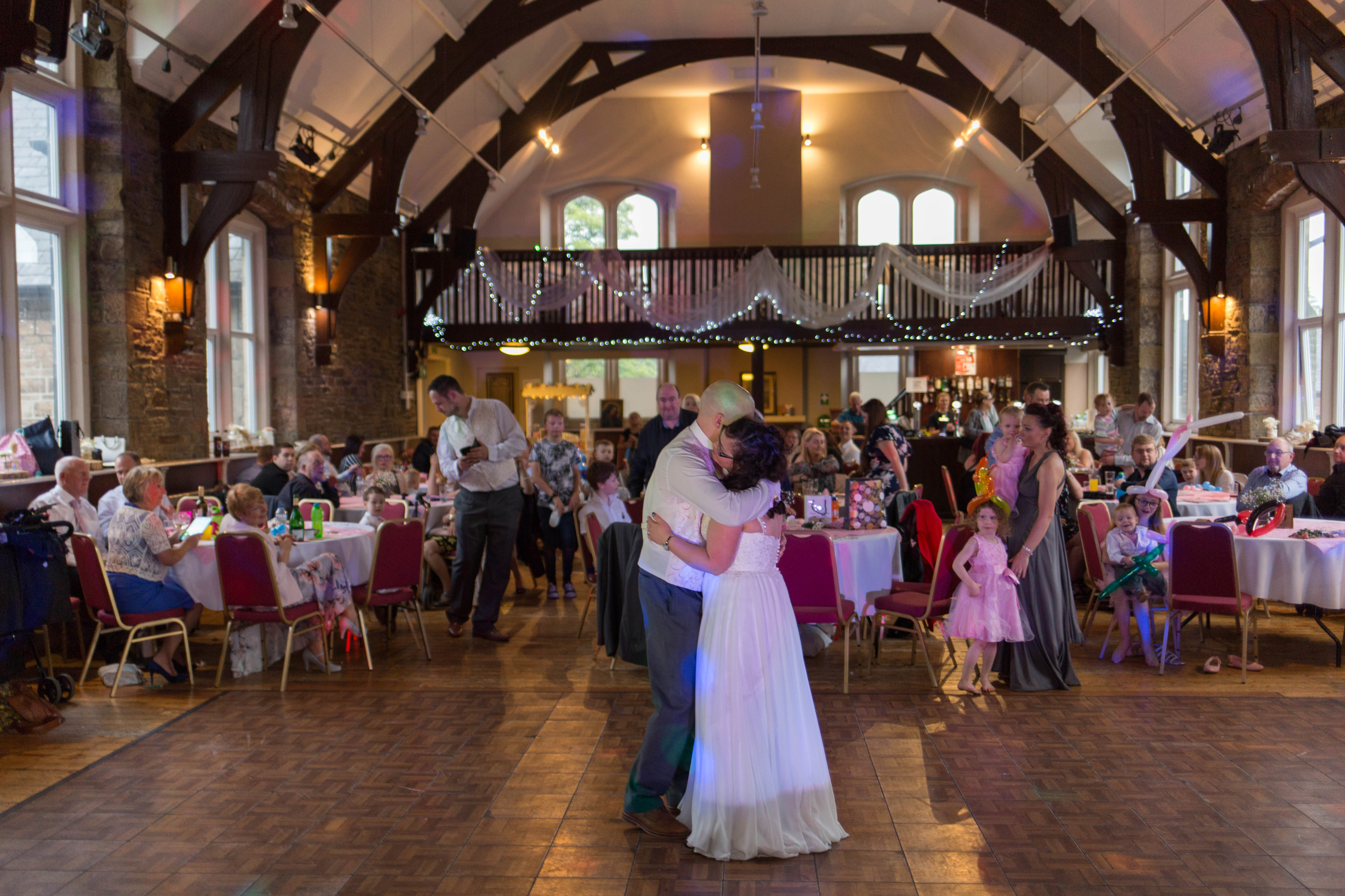 Oldham wedding photographer - first dance